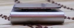 Китайский ipod nano 6g серого цвета, вид справа.