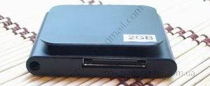 Китайский ipod nano 6g черного цвета (сенсорный), вид снизу.
