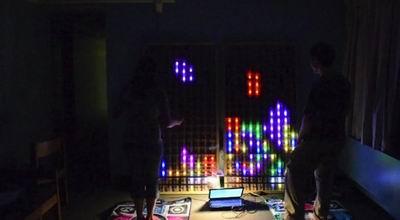 Сыграйте в тетрис на 6-футовом светодиодном экране!