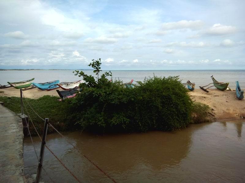 Пляж Тангалле. Шри-Ланка.