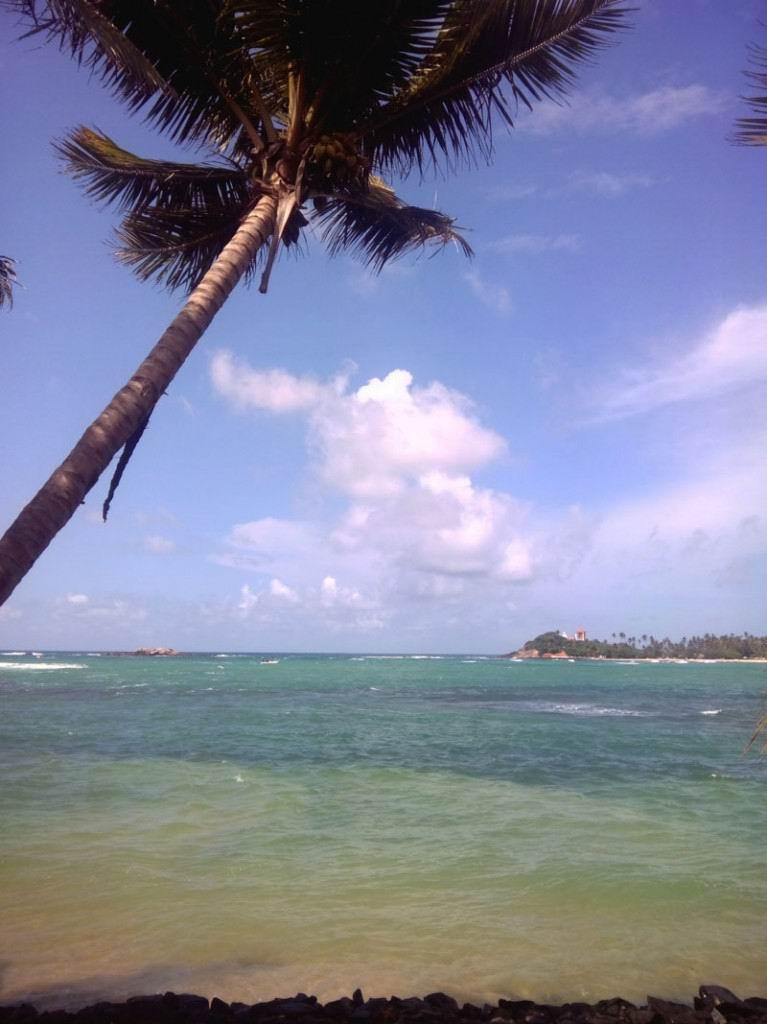 Унаватуна - прекрасное место для плавания.