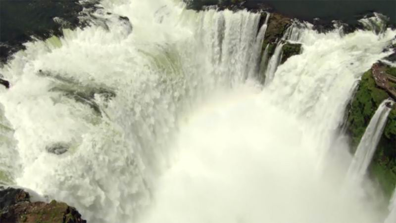 Аргентина. В стране насчитывается 275 водопадов.